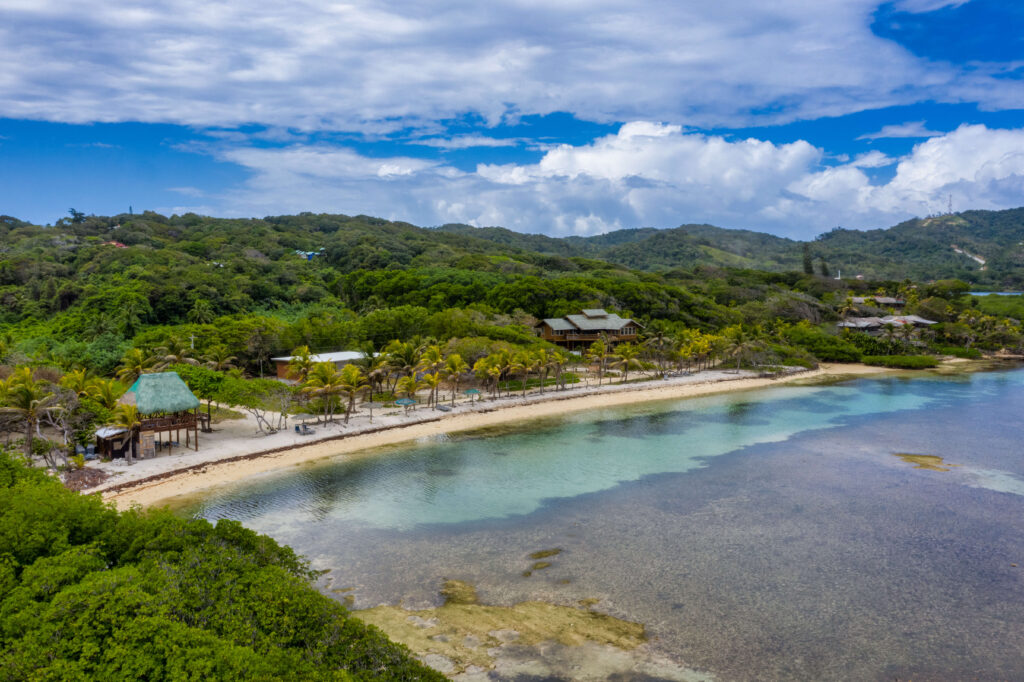 Home with Private Boat Slip Access to a Sandy Beach, Roatan, MLS #20-104