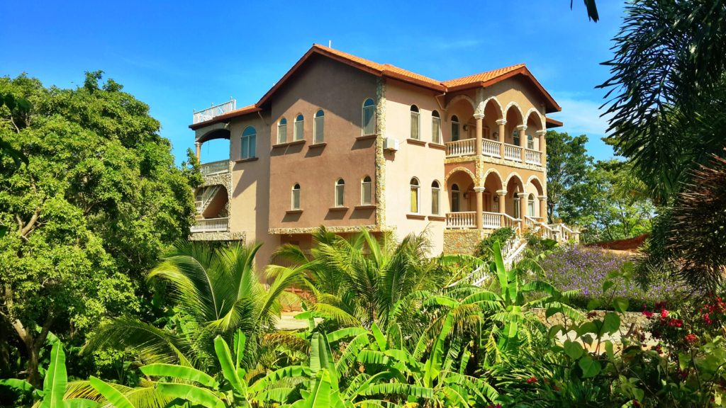 Luxury home for sale in Roatan