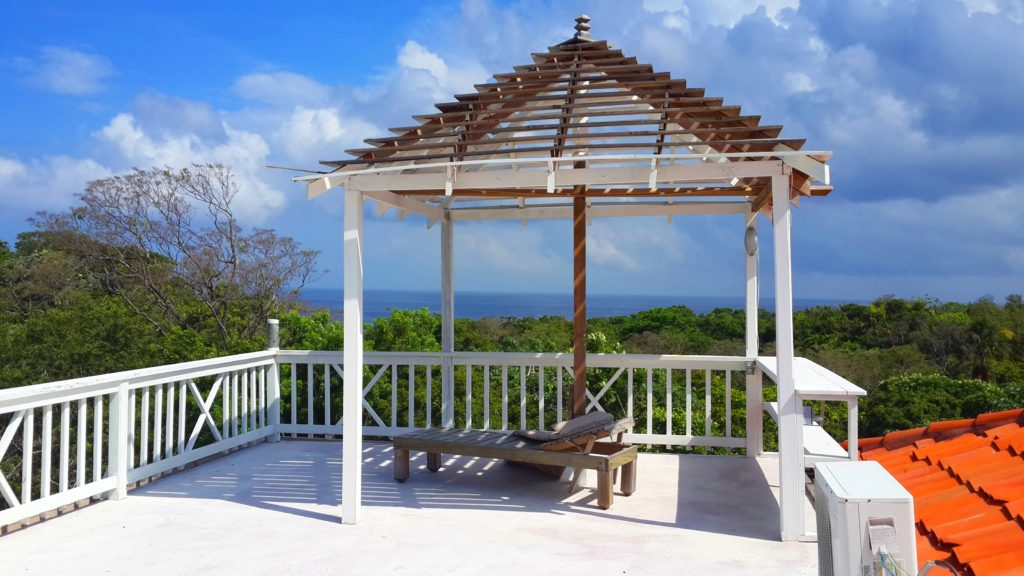 View the stars in Roatan